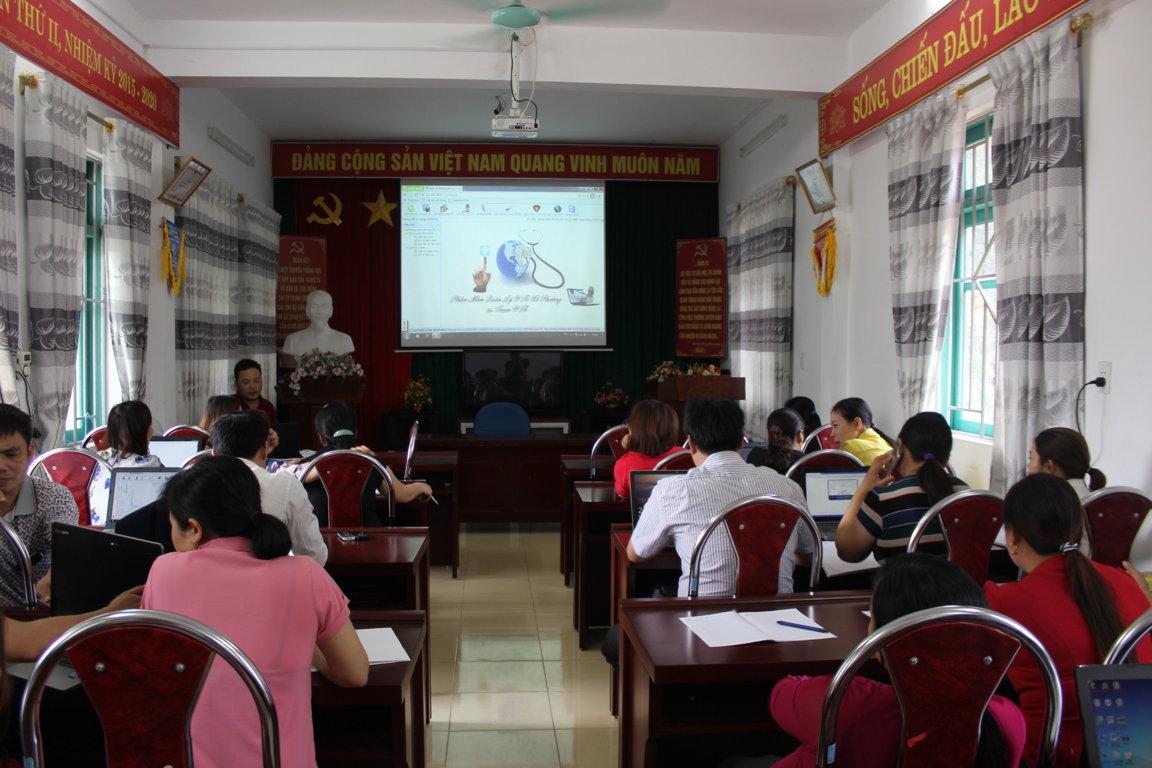 Trung tâm Y tế huyện Mèo Vạc tổ chức tập huấn phần mềm Quản lý Y tế xã phường liên thông