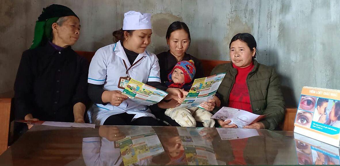 Nữ Trạm trưởng Trạm Y tế xã hết lòng với người bệnh vùng biên